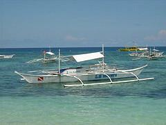 Banka, philippinisches Auslegerboot Alona Beach Bohol